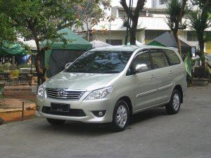 7-seat car rental